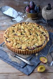 pflaumen crumble quark tarte plum crumble tart summer