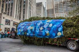 Rockefeller Center Christmas Tree Facts by The 2017 Rockefeller Center Christmas Tree Arrives Today