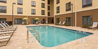 Ucf Help Desk Business by Holiday Inn Express U0026 Suites Orlando East Ucf Area Hotel By Ihg