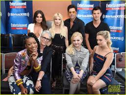 Siriusxm Canada Halloween Channel by Lea Michele Taylor Lautner U0026 U0027scream Queens U0027 Cast Hit Comic Con