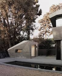 100 Tighe Architecture Facets And Curves Form Exterior Of Hollywood Hills House