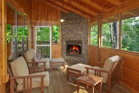 Four Seasons cabin in Gatlinburg