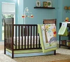 décoration chambre bébé winnie l ourson déco chambre bébé winnie ourson thème couverture des idées de l