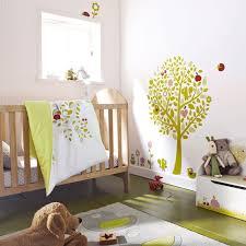 chambre pour bébé chambre d enfant 7 pièces de mobilier indispensables pour bébé