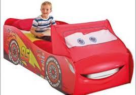 chambre enfant cars chambre enfant cars 295172 lit voiture cars mc enfant