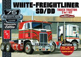 100 Model Semi Truck Kits Amazoncom AMT AMT104612 125 White Freightliner 2in1 SCDD