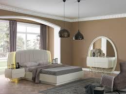 schlafzimmer kleiderschrank nachtisch kommode spiegel
