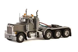 OCEAN TRADERS | European Shop | Peterbilt 379 Day Cab 8x4 (Silver)
