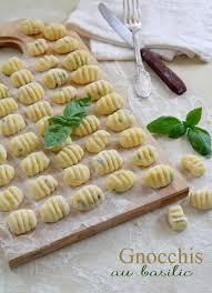 cuisiner le basilic gnocchis au basilic les gourmandises de lou