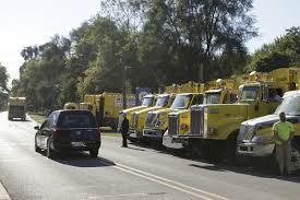 100 Leach Garbage Trucks Trucks Honor Sanitation Worker Who Died On The Job
