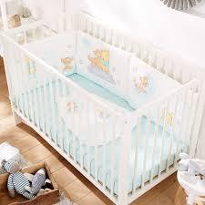 comment mettre un tour de lit bebe tour de lit en velours winnie bébé garçon blanc kiabi 30 00