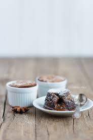 einfaches schokoladensoufflé mit flüssigem kern dreierlei