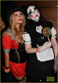 Heidi Klum Halloween 2014 by Ben Mckenzie U0026 Michelle Trachtenberg Celebrate Halloween At Heidi