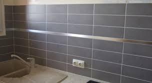 crédence en stratifié pour cuisine crédence murale décoration cuisine carrelage l inox le