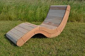 chaise longue palette agréable chaise longue en palette bois 4 fauteuil design