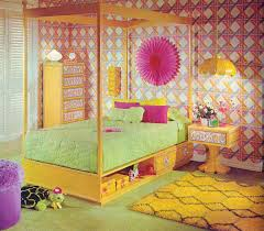 This Wallpaper From The 60s And 70s Will Make You Want To Redecorate Now