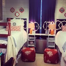 Decorating The College Dorm Room Guys Vs Girls