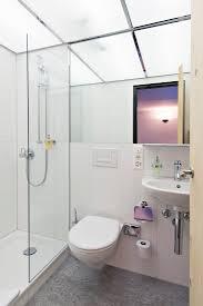 hauser st moritz badezimmer mit dusche und steinboden aus