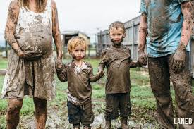 415 Best Pregnancy Kids Images by When It Wouldn U0027t Stop Raining This Family Did A Muddy Maternity