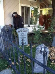 Halloween Cemetery Fence Ideas by 275 Best Halloween Cemeteries Images On Pinterest Death Deco