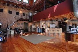 104 All Chicago Lofts Huge Selection Of Kinds Of Hats Loft House Loft Design