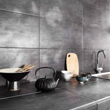 plan de travail cuisine carrelé carrelage mural et plan de travail cuisine effet métal gris