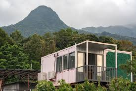 104 Homes Made Of Steel World S Priciest Market Has People Living In Illegal Boxes Bloomberg
