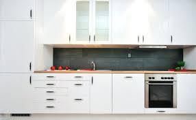 poignee porte placard cuisine poignee pour porte meuble cuisine