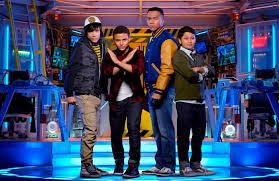 Halloween Town Cast 2016 by Mech X4 Cast Directors Talk Friendship Robots Being Kids
