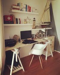bureau ikea treteaux bureau chaise chaisedaw charleseames eames diy bois tréteaux