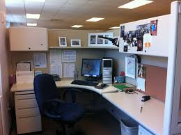 Cubicle Holiday Decorating Themes by Office Cubicle Christmas Decorating Ideas Make Your Cubic Room