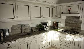 cuisine bois blanchi cuisine en chêne massif laqué blanc rechi gris sombre