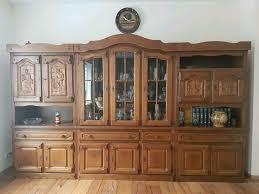 rustikaler wohnzimmerschrank bauernmöbel