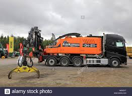 The Chipper Truck Stock Photos & The Chipper Truck Stock Images - Alamy Chipper Truck Tree Crews Service Equipment 2017 Ram 5500 Chip Box With Arbortech Body For Sale Youtube New Page 1 Offshoots Landscape Architecure Phytoremediation Arborist Wood 1988 Gmc 7000 Dump Used Sale 2018 Hino 195dc 10ft At Industrial Power 2007 Intertional I7300 4x4 Chipper Dump Truck For Sale 582986 1999 Ford F800 In Central Point Oregon 97502 1990 Topkick Chipper Truck Item K2881 Sold August 2 Bodies South Jersey