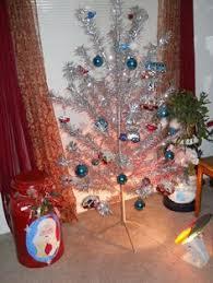 Rotating Color Wheel For Aluminum Christmas Tree by The Color Wheel On The 1960 Aluminum Pom Pom Christmas Pom Pom