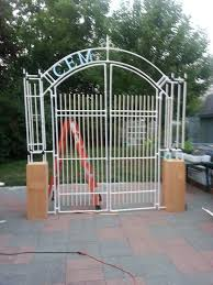 Halloween Cemetery Fence Ideas by 125 Best Cemetery Entrances For Haunted House Images On Pinterest