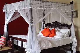 Black Canopy Bed Drapes by Curtains And Drapes Modern Canopy Bed King Bed Canopy Drapes