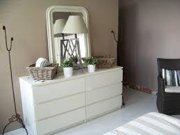 chambre blanc et taupe chambre taupe blanc avec chambre blanc et beige id es d coration