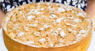 apfel streuselkuchen mit marzipan brokat und kaviar