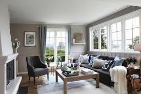 gemütliches wohnzimmer mit kamin bild kaufen 11956736