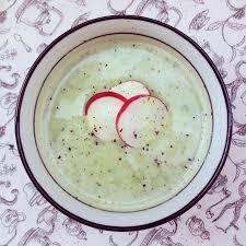 comment cuisiner les fanes de radis velouté de fanes de radis au lait de coco bowl spoon