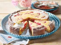 saftiger rhabarber quarkkuchen