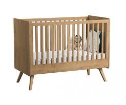 chambre bébé bois naturel lit bébé évolutif vintage en bois de la marque vox