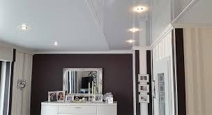 neue wohnzimmerdecke so gestalten sie mit decke und licht