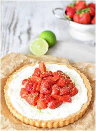 Hochzeitstorte Mit Erdbeeren Und Limetten Erdbeertarte Mit Limette Und Knusperboden