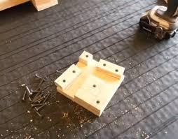 Useful Corner Clamps Made From Wood