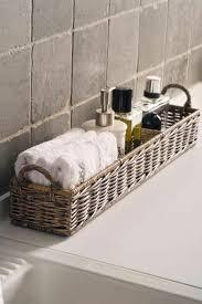 moderne gestaltungsideen flechtkorb anwendung im badezimmer
