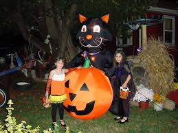 Halloween Blow Up Decorations For The Yard by The Creative Fantastic Inflatable Halloween Decorations The