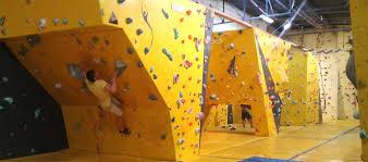 salle de bloc salle d escalade et de blocs les arts de la grimpe
