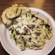 100 Voulas One Of The Many Lunch Specials Grilled Chicken Fettuccine With